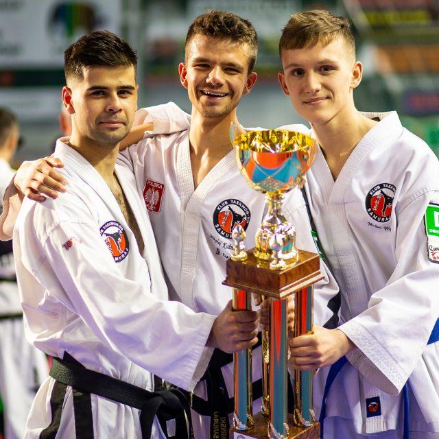 treningi sztuk walki dla młodzieży i dorosłych we Wrocławiu taekwondo